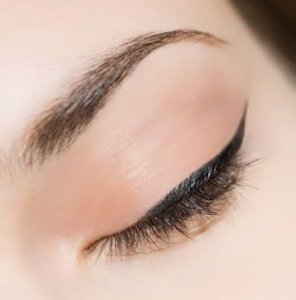 خط چشم لچیک